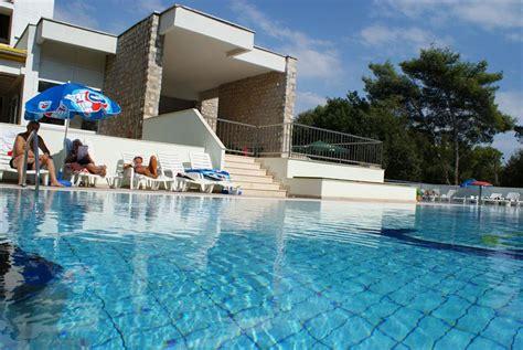 Podrozujnet  Hotel Adria ***+  All Inclusive Biograd