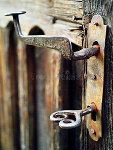 Poignée De Porte Vintage : vieille et rouill e poign e de porte de vintage et belle cl image stock image du keyhole ~ Teatrodelosmanantiales.com Idées de Décoration