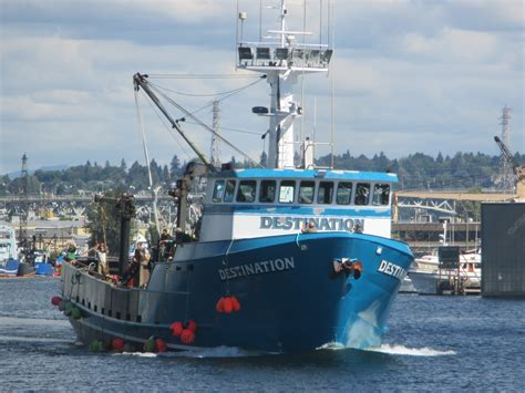 Boats Deadliest Catch by F V Destination Ak Bering Sea Crabber Lots Of Crew On