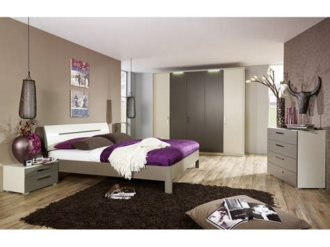 modele deco chambre great maison deco chambre with modele chambre adulte