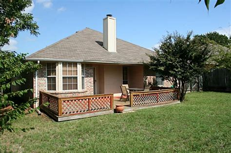 Rent Backyard by Oak Tree Home For Rent