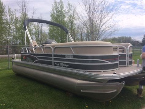 Sun Tracker Pontoon Boat For Sale Ontario by Sun Tracker Barge 20 2015 Used Boat For Sale In
