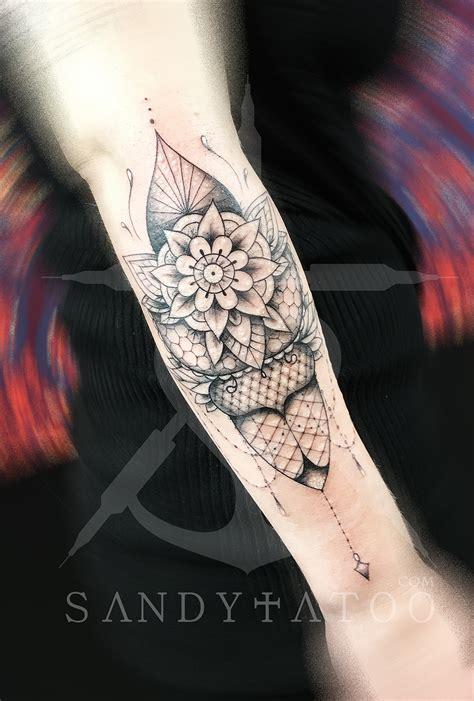 tatouage mandala dentelle sandytatoo