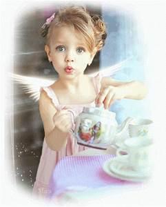Decent Image Scraps: Cute Animated Angel