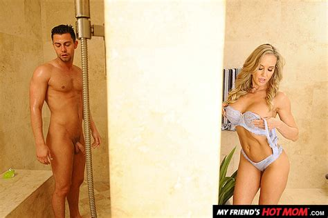 Brandi Love Fucking In The Shower With Her Outie Pussy