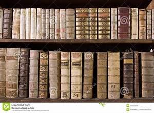AntikeBcher Auf Bcherregal Stockbild Bild 25522071