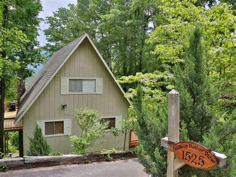 downtown gatlinburg cabins million dollar view a 4 bedroom cabin downtown