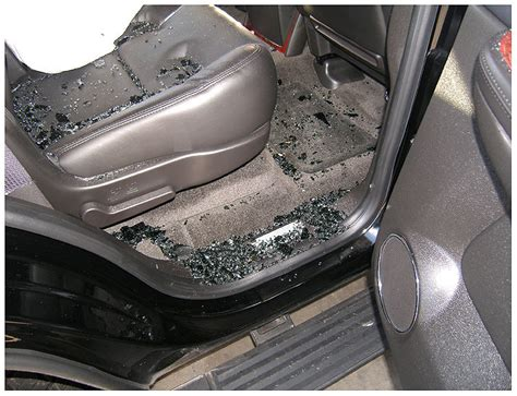 Police say tiger woods lost control of his car in a known accident blackspot. Tiger Woods Car Crash PHOTOS: Police Pictures Show SUV Damage | HuffPost
