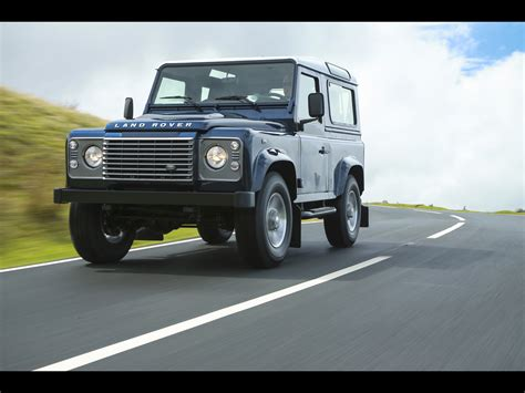 Land Rover Wallpapers By Cars Wallpapersnet