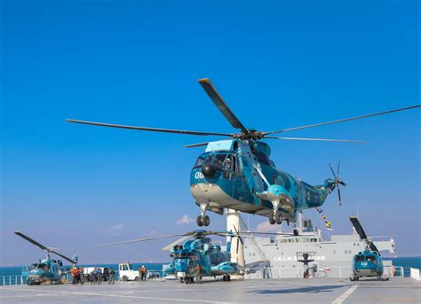 Irianian Navy helicopters