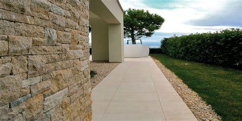 posare piastrelle pavimento pavimenti per esterni piastrelle sottili posa su pavimenti