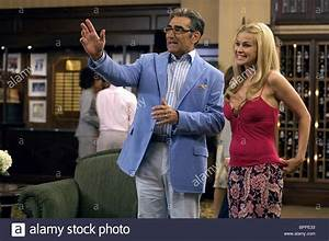 EUGENE LEVY & CARMEN ELECTRA CHEAPER BY THE DOZEN 2 (2005 ...