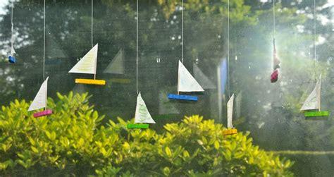 kinder malen und basteln schiffchen aus waescheklammern