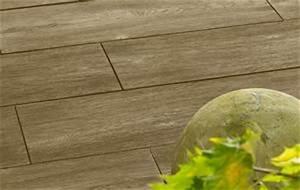 Terrassenplatten Holzoptik Beton : der natur abgeschaut robuste terrassenplatten in holzoptik ~ A.2002-acura-tl-radio.info Haus und Dekorationen