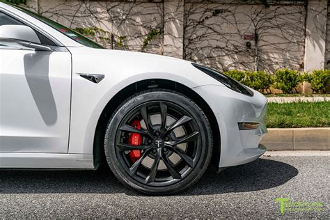 Get Replace Tesla 3 Continental Tires Pictures