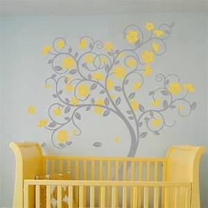 stickers arbre dans la chambre bebe et enfant en 28 idees With chambre bébé design avec pot de fleur gris design