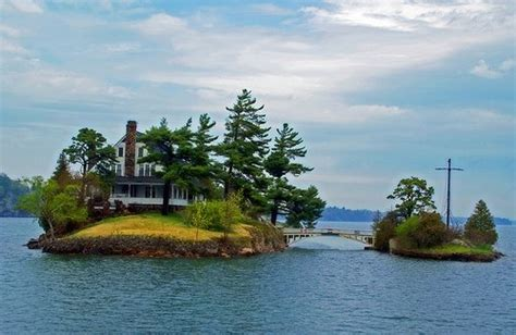 Photoposts Blog » Do You Want To Live On A Small Island?