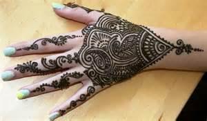 Moroccan Henna Hand Design