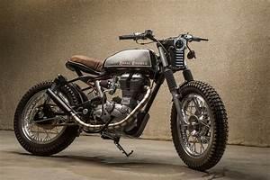 Moto Royal Enfield 500 : desert flower m to dubai 39 s royal enfield bullet bike exif ~ Medecine-chirurgie-esthetiques.com Avis de Voitures