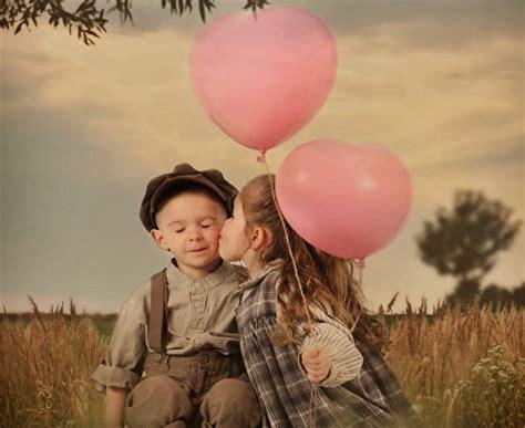 images  girls boys kiss children toy balloon  love