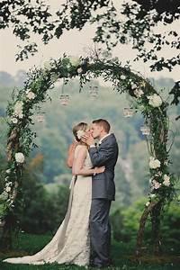 Way to Add Floral Circular Details in Wedding
