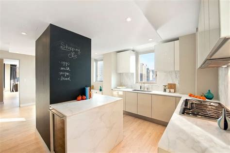 parquet stratifié pour cuisine parquet stratifi cuisine salon cuisine parquet meubles de salon avec cuisine en blanc projets