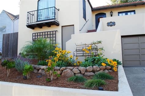 The Front Yard : Small Front Yard Landscaping Ideas