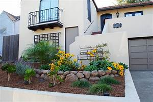Small front yard landscaping ideas hgtv for Landscaping for a small front yard