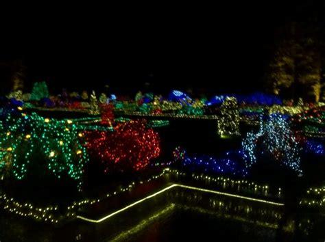 christmas light garden coosbay oregon i love oregon