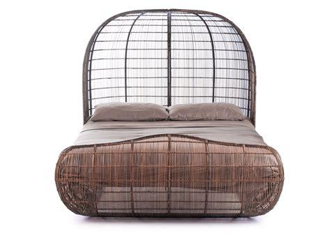Voyage Bed by ベッド Voyage アジアンデザイナーズ家具 ケネス コボンプエ