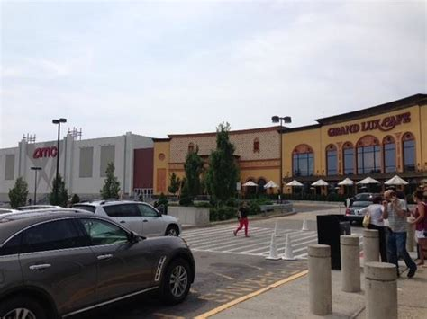 State Plaza Paramus Mall by Amc Grand Entrance Picture Of Westfield Garden