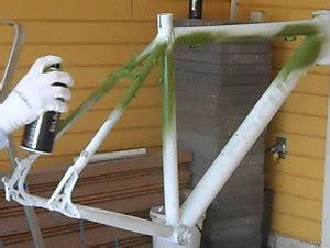 bombes de peinture v 233 lo id 233 ales pour colorer cadre de bicyclette