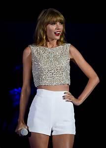 Taylor Swift Photos Photos - We Can Survive 2014 - Zimbio