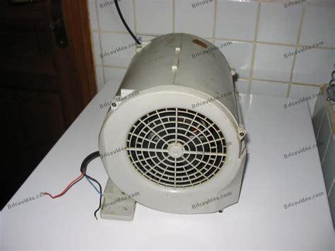 problème remplacement moteur bruyant de hotte de cuisine