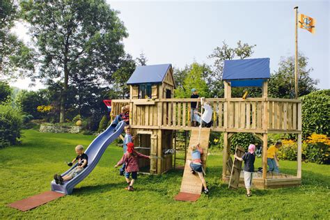 Spielplatz Für Den Garten by Spielturm Und Kletterum Kindertr 228 Ume F 252 R Den Garten