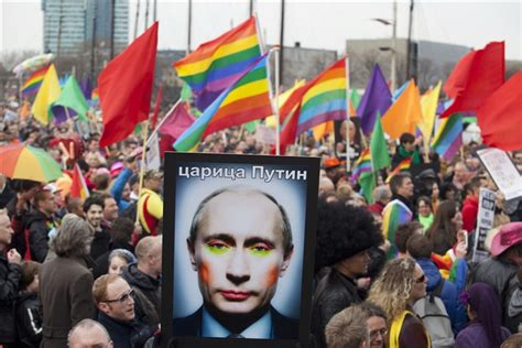 Russian Voters Back Referendum Banning Same Sex Marriage