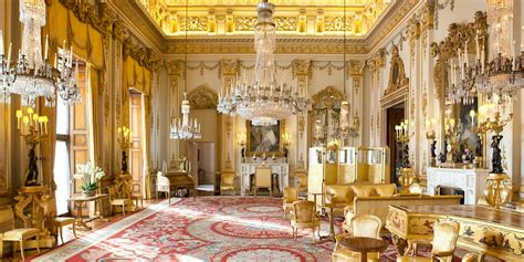 Buckingham palace is easily accessible off our main routes. State Rooms, London