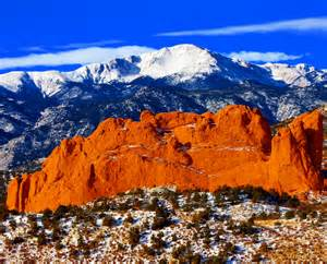 photographers in colorado springs sweet america pikes peak mounatin from garden of the gods