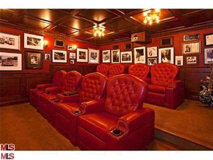 Brad Garrett Malibu Home-Home Theatre | Rich home, Malibu ...