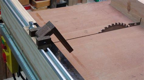 How To Make A Cross Cut Sled To Table Saw  Easy Stop