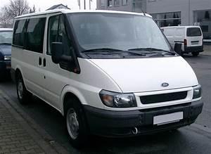 Minibus Ford : file ford transit front wikimedia commons ~ Gottalentnigeria.com Avis de Voitures