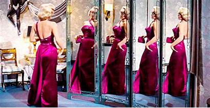 Clothes Wearing Dresses Should Place Marilyn Amazing