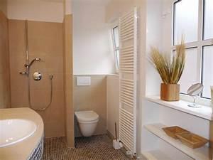 Badezimmer Im Landhausstil : l ndlicher duschtraum landhaus bad in weiss ~ Sanjose-hotels-ca.com Haus und Dekorationen