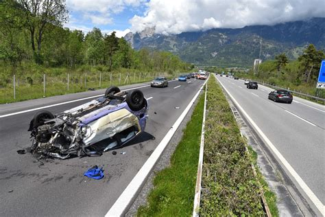 Jun 22, 2021 · drei fahrzeuge in unfall verwickelt auf der a13 bei ruhland hat gestern abend ein lkw einen teil seiner ladung verloren und damit einen verkehrsunfall ausgelöst. Autobahn A13: Selbstunfall bei Zizers | Graubünden Online
