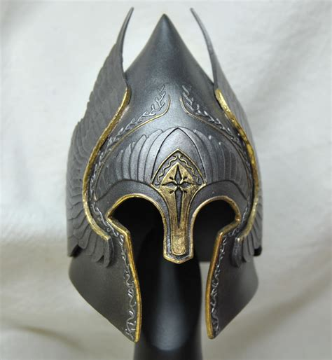 king  yellow lord   rings helm collection gondor