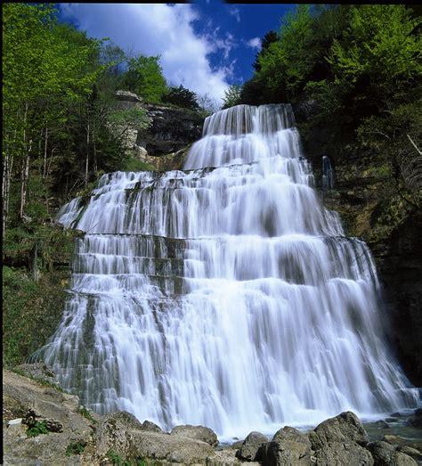 cascades du h 233 risson r 233 gion des lacs lac de chalain jura tourisme