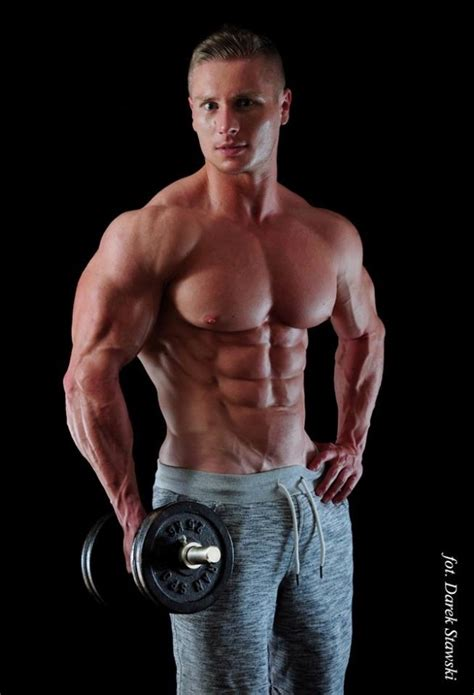 Muscle guys and those who worship them — this is one HOT ...