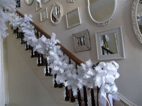 decorating  stairs  christmas