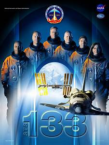 STS-133: Crew portrait and crew poster - collectSPACE ...