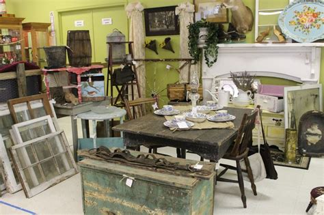 Western Chic Booth At Ocala Antique Mall And Estates In Ocala Fl. Love The Wagon Wheel Gate On Antique White Dining Room Hutch Antiques And Uniques North Jackson Ohio Silver Dealers London Oriental Bronze Vase Art Deco Sofa Chicago Show 2017 Walnut Veneer Dressing Table Strasburg Mall Hours